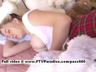 Alison od ftv babes asleeped prsnaté blondýna naivka gets prsty