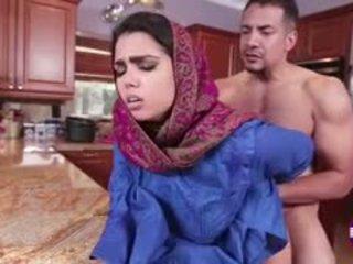 Ada sanchez gets 他妈的 在 该 厨房